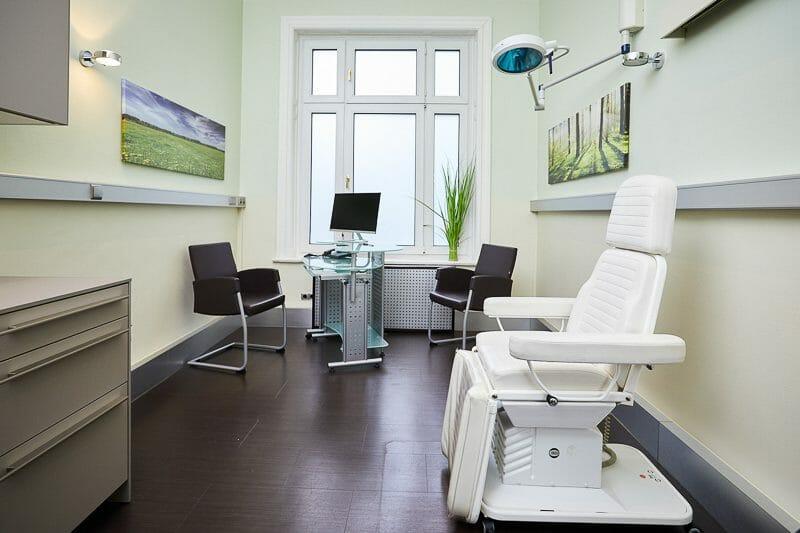 Behandlungszimmer der Praxisklinik Brahmsallee in Hamburg