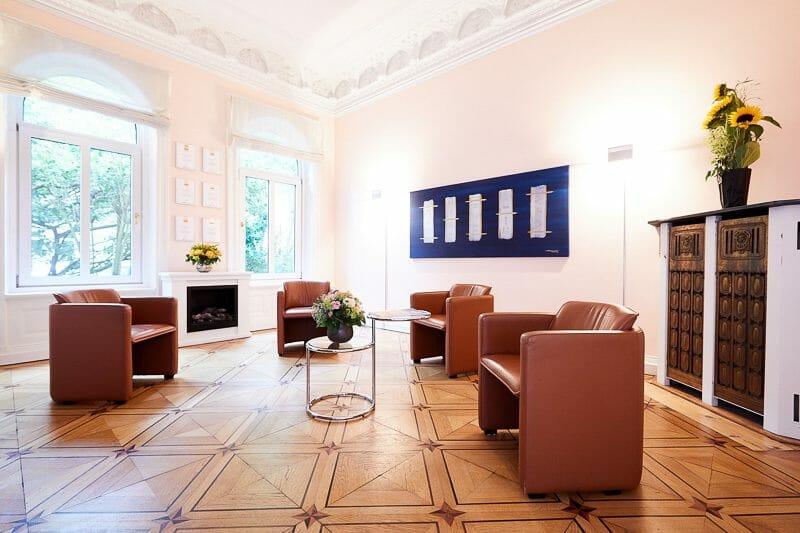 Wartezimmer der Schönheitsklinik Praxisklinik Brahmsallee